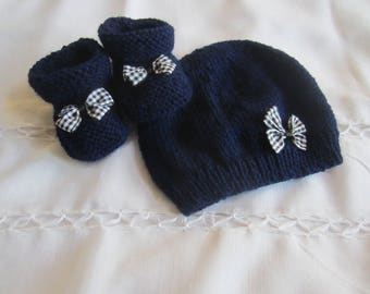"""Set hat and booties """"birth"""" Navy Blue and gingham bow"""