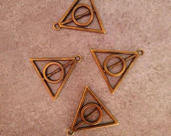 Triangle 3 cm pendant