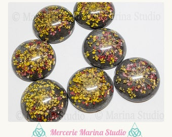 Resin cabochon 25mm black, yellow and red colors dried flowers
