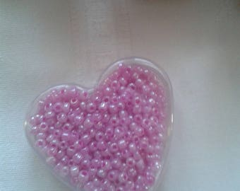 Pearl Pink seed beads in their box transparent heart shape