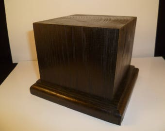 square wooden base made with oak scct1