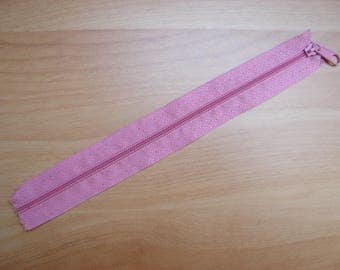 Pink detachable plastic zipper