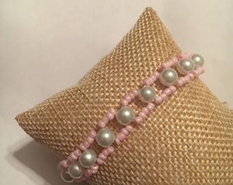 Cute bracelet with Pearl and seed beads