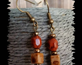Earrings in bronze and semi precious beads