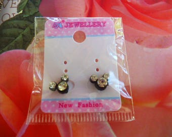 Minnie mouse head with Rhinestone earrings
