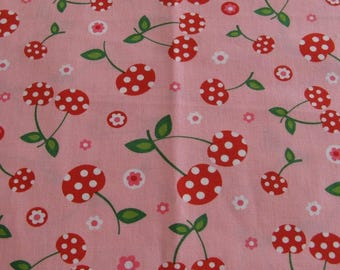 Robert Kaufman fabric cherries cotton sold by 10 cm x 110 cm