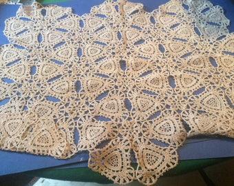 2  Ecru lace  place  mats ( 62cm x 50cm and 60cm x 38cm)