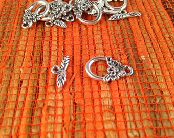 4 toggle, antiqued, silver colored Butterfly decor clasps for jewelry clasps