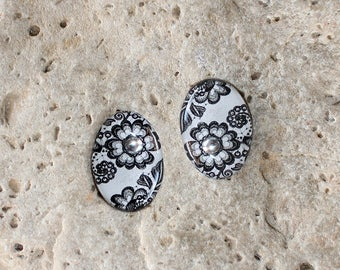 2 cabochon 13 X 18 mm resin black and white