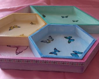 Hexagonal tray and its pastel cups and butterflies