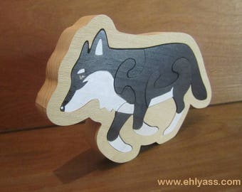 Puzzle wooden painted Wolf with fretwork outline
