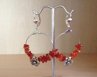 Hoop earrings carnelian + silver metal flower