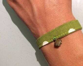 Green charm bracelet fish