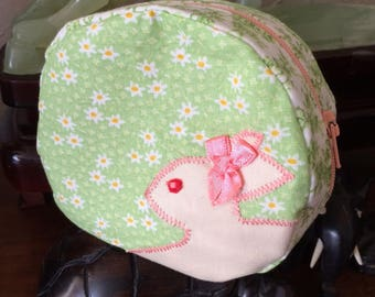 Little pouch with pink rabbit