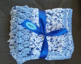 Crocheted baby blanket - blue bernat