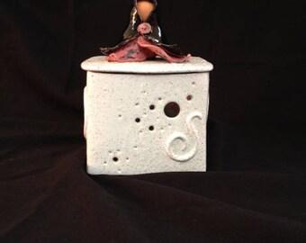 Enamel red earthenware ceramic box white