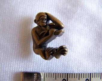 Fancy button, kids, monkey eating a banana (Bo 2257)