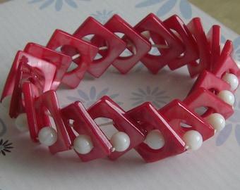 Vintage red Pearl elastic bracelet