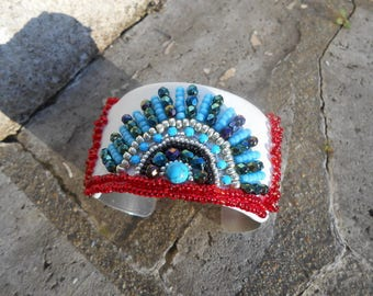 """Cuff embroidered """"Inca"""" seed beads"""
