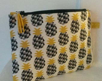 Pineapple print Yellow and black/make-up bag