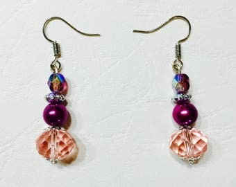 Pink and red tones dangle earrings