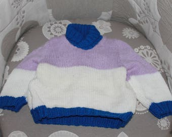 Pullover tricolor child hands