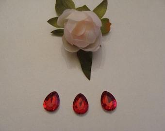 Set of 3 14 * 18 mm red acrylic rhinestone cabochons