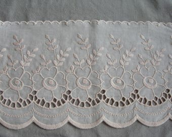 light apricot embroidery flowers cotton 1 m 60 available 17.5 cm wide