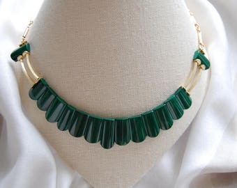 Necklace made of finely polished Malachite