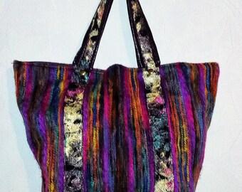 Bag has hand or shoulder Tote (wool fabric)