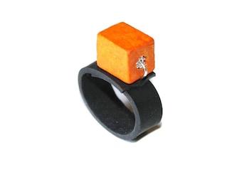 Ring in inner tube recycled car Orange Cube