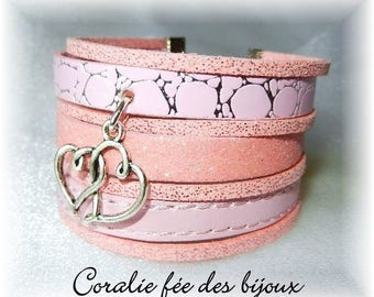 Cuff Bracelet faux/glitter/suede Pink Hearts charm