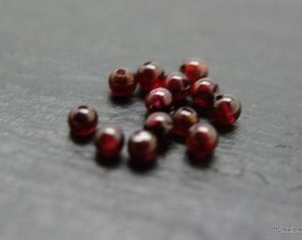 10 Garnet round beads 4 mm