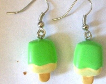 Earrings sticks of ice and ice green and cream kawai H1.7cmxL1cm