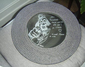 Round mirror - engraving of a clown and personalized message