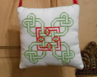 embroidered handbag - Celtic design cushion
