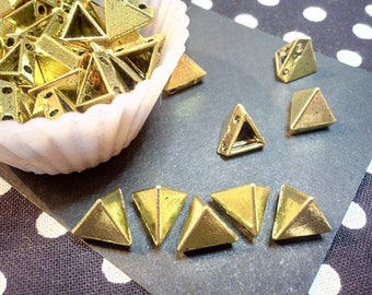 X 20 cabochons triangle 4 hole pyramid shape, 10 x 8 x 8 mm, metal gold