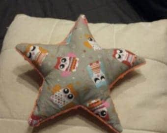 Little owls gray star cushion