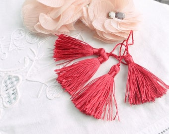 Red tassels x 4 french product