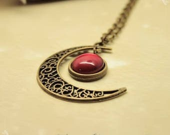 """""""Gealai"""" Celtic Red Moon glow necklace"""