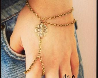 "Hand jewelry bronze asymmetrical ""spiralesk"""