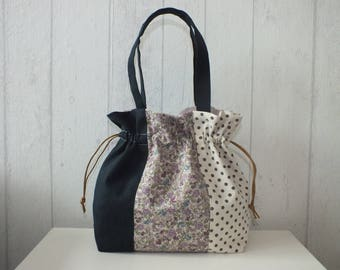 """Purse from the """"YUWA"""" patchwork linen and cotton, polka dots, flowers, plain dark blue."""