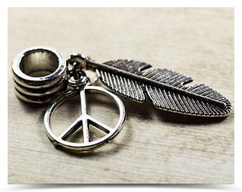 "Hanging Bead + 2 Charms ""Feather"" and ""Peace and love"" 