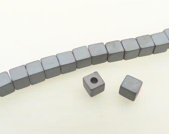 20 gray pearls, hematite cubes