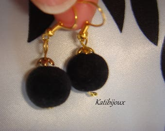 Black velvet beads collection: the balls