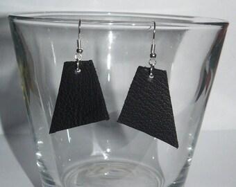 Earring asymmetric triangular leather SO CHIC 4