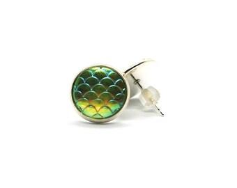 Shimmering green/yellow earrings
