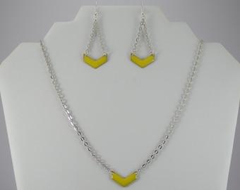 Yellow chevron set