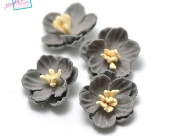 4 flowers in faux leather (suede) 21 x 7 mm, grey