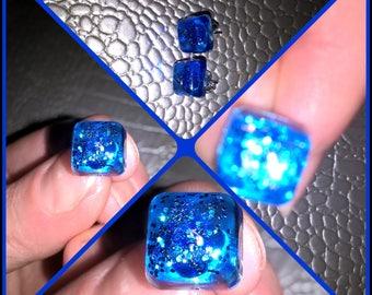 Square shape in translucent blue resin earrings